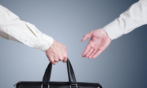 Aprenda a traspasar un negocio con éxito