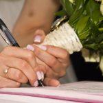 ¿Conoce las características de los contratos prenupciales?